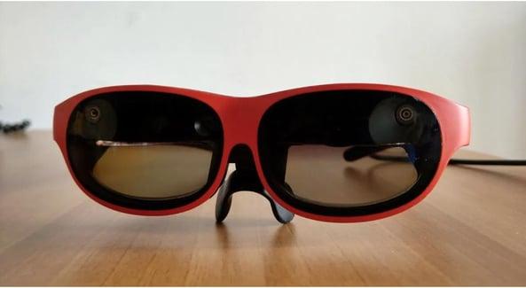 Nreal_glasses_red