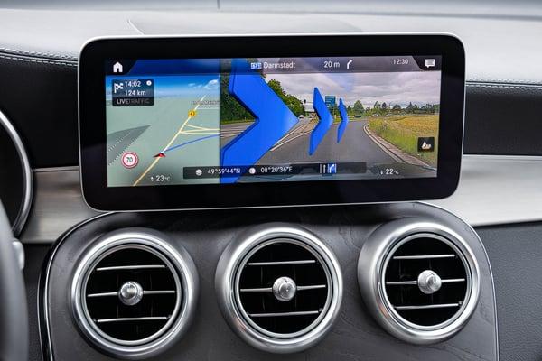 mercedes-benz-ar-navigation