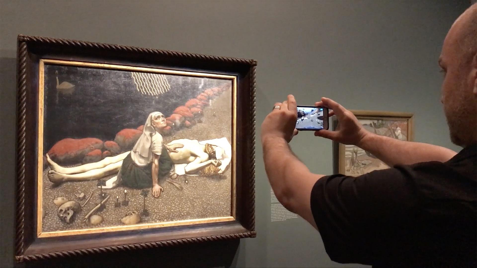 Art beyond the frame